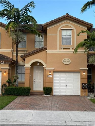 Photo of Listing MLS a10903298 in 7657 NW 116th Pl #7657 Doral FL 33178