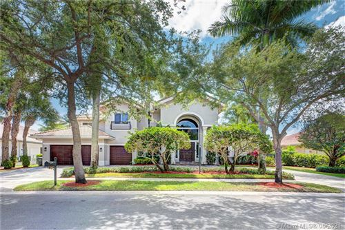 Photo of 5504 NW Estate Oak Cir, Hollywood, FL 33312 (MLS # A11038300)
