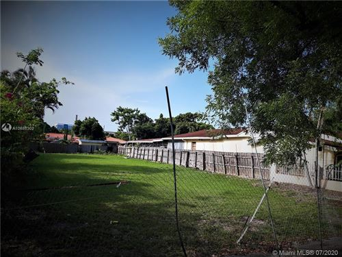 Foto de inmueble con direccion 2737 SW 2nd St Miami FL 33135 con MLS A10886302