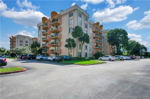 Photo of 9320 Fontainebleau Blvd #513, Miami, FL 33172 (MLS # A10948302)