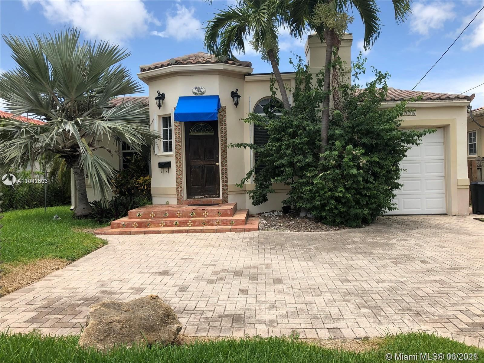 8926 Emerson Ave, Surfside, FL 33154 - #: A11042303