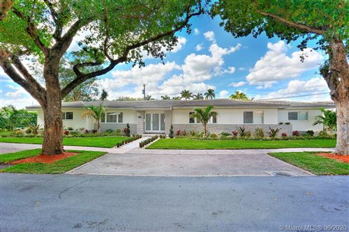 Photo of Listing MLS a10870304 in 5300 Orduna Dr Coral Gables FL 33146