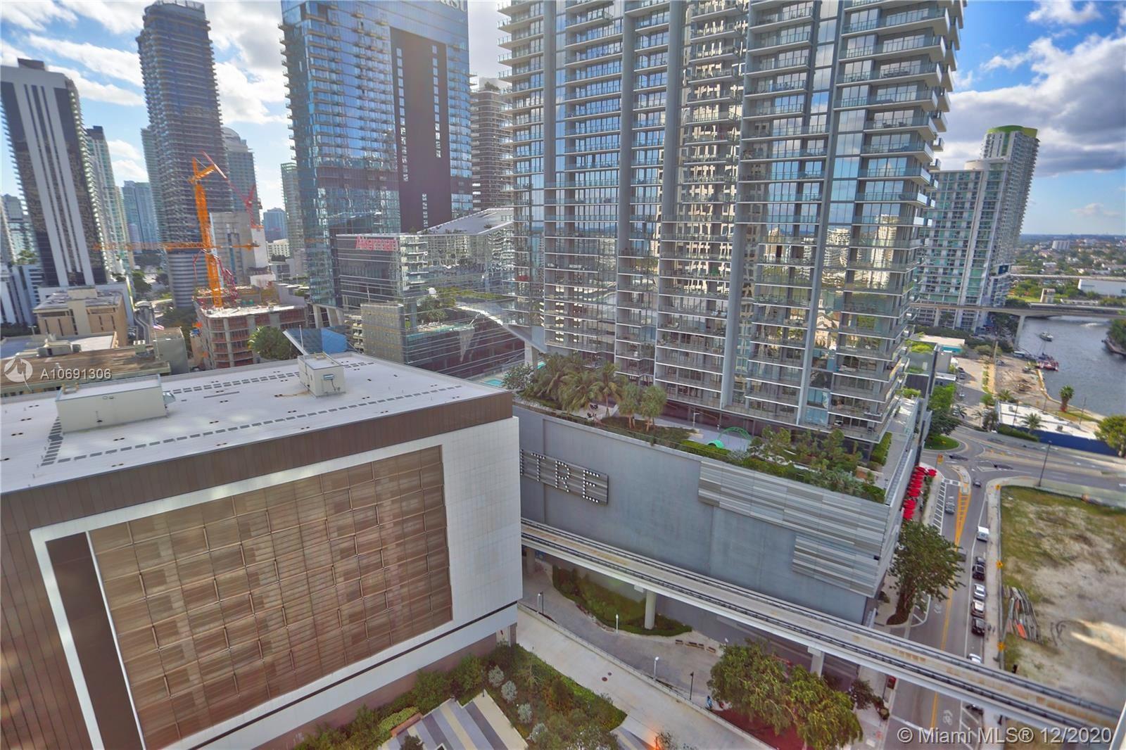 Photo for 55 SE 6th St #2304, Miami, FL 33131 (MLS # A10691306)