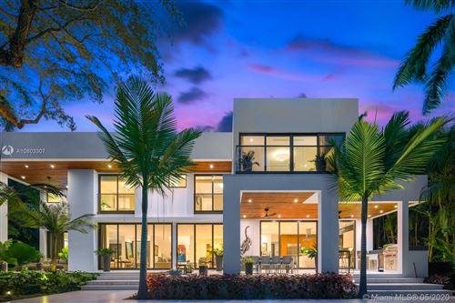 Photo of Listing MLS a10803307 in 3950 Leafy Way Miami FL 33133