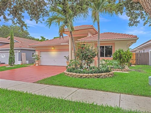 Photo of Hollywood, FL 33021 (MLS # A11079308)