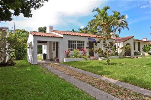 Photo of 625 Zamora Ave, Coral Gables, FL 33134 (MLS # A10964309)