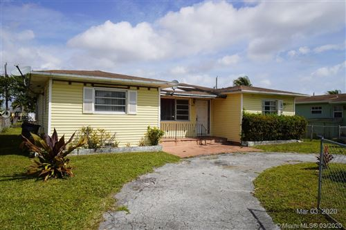 Foto de inmueble con direccion 4321 SW 26th St West Park FL 33023 con MLS A10828311