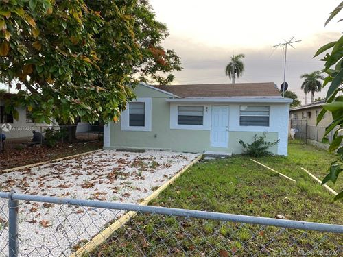 Photo of Listing MLS a10883311 in 978 NE 5th Ave Homestead FL 33030