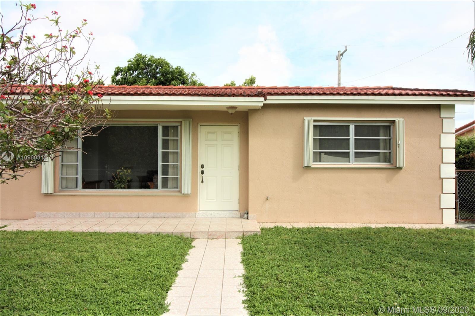 561 W 37th Pl, Hialeah, FL 33012 - #: A10930312