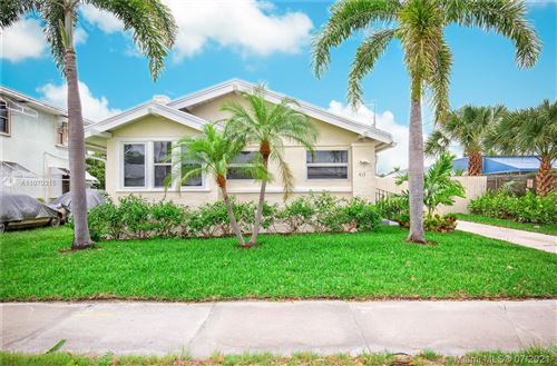 Photo of 413 Upland Rd, West Palm Beach, FL 33401 (MLS # A11070315)