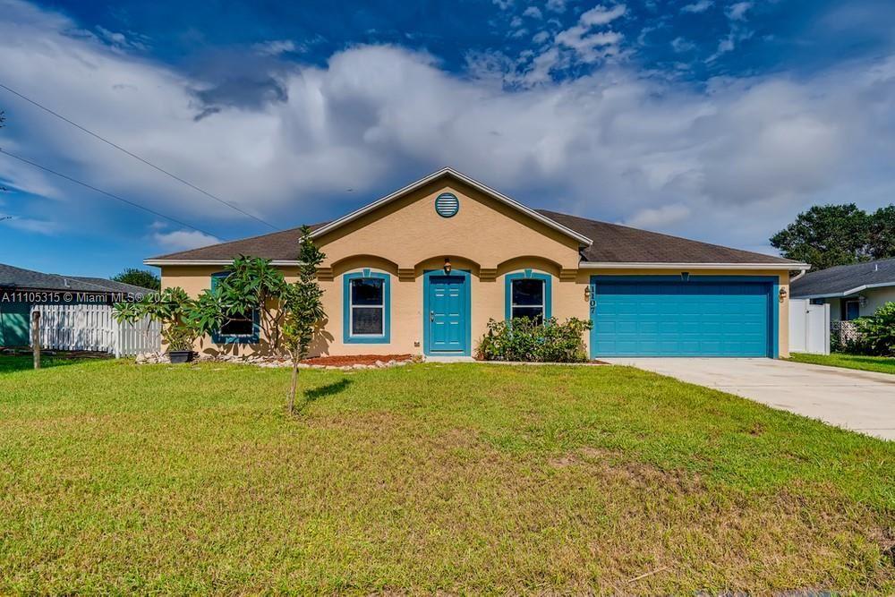1107 SE Puritan Lane, Port Saint Lucie, FL 34983 - #: A11105315