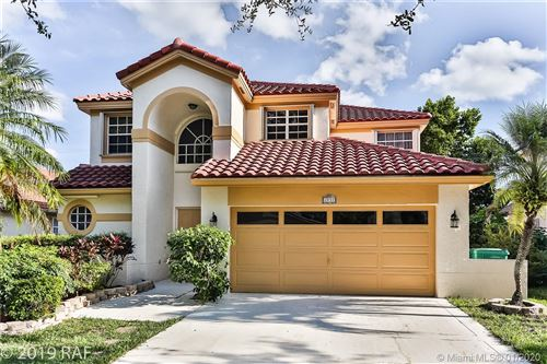 Photo of Listing MLS a10794317 in 2831 La Paz Ave Cooper City FL 33026
