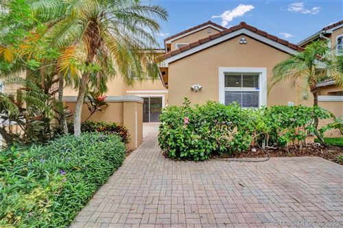Photo of Listing MLS a10860317 in 955 Corkwood St #955 Hollywood FL 33019