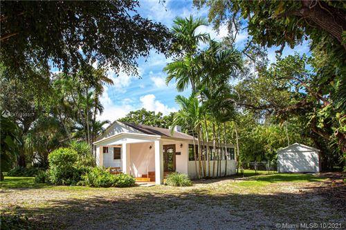 Photo of 1215 San Ignacio Ave, Coral Gables, FL 33146 (MLS # A11109317)