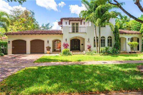 Photo of 932 Escobar Ave, Coral Gables, FL 33134 (MLS # A10851319)