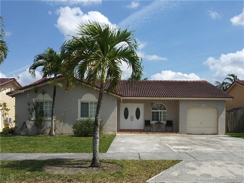 Foto de inmueble con direccion 17835 SW 154th Pl Miami FL 33187 con MLS A10829320