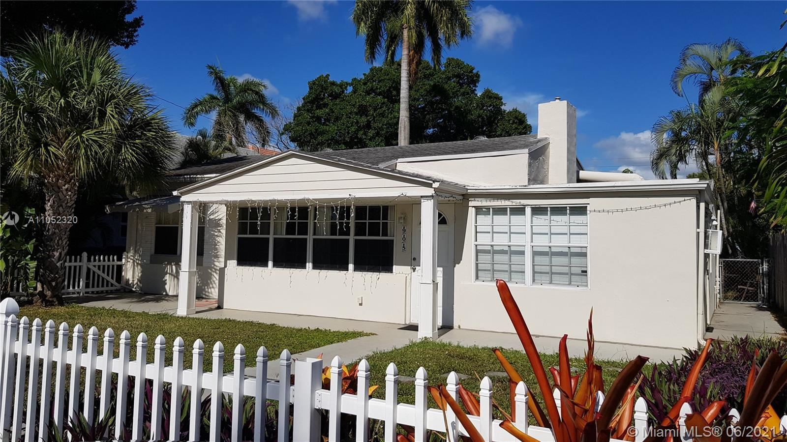905 SW 10th Ter, Fort Lauderdale, FL 33315 - #: A11052320