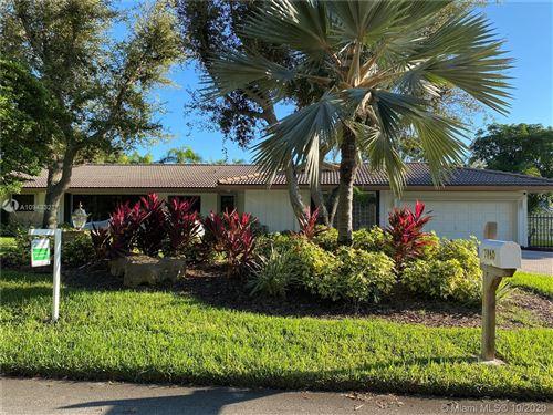 Photo of 7760 SW 178th St, Palmetto Bay, FL 33157 (MLS # A10943321)