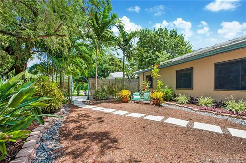 Photo of Listing MLS a10884322 in 7930 SW 54 Ct Miami FL 33143