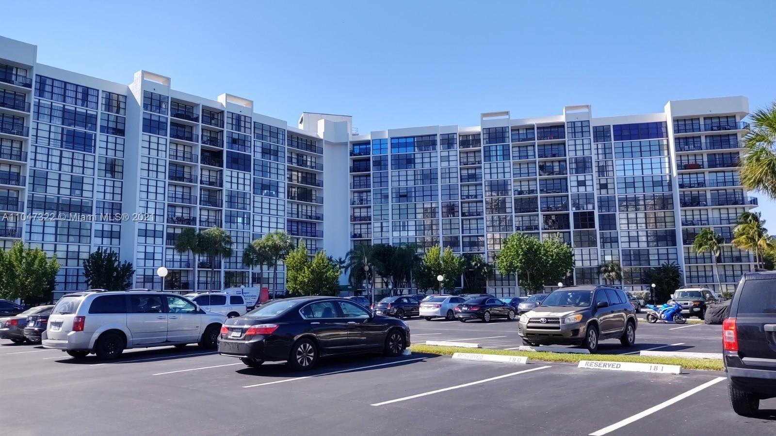 1000 Parkview Dr #815, Hallandale Beach, FL 33009 - #: A11047322
