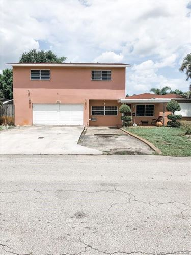 Photo of Listing MLS a10892323 in 413 SW 68th Ave Pembroke Pines FL 33023