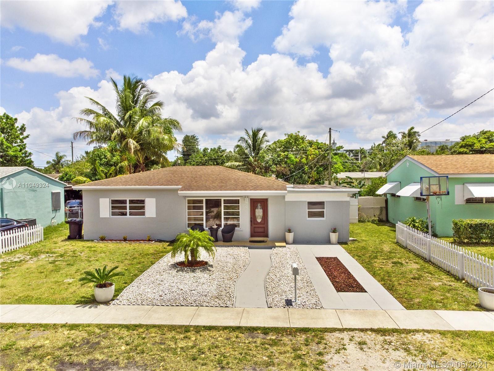 250 NE 170th St, North Miami Beach, FL 33162 - #: A11049324