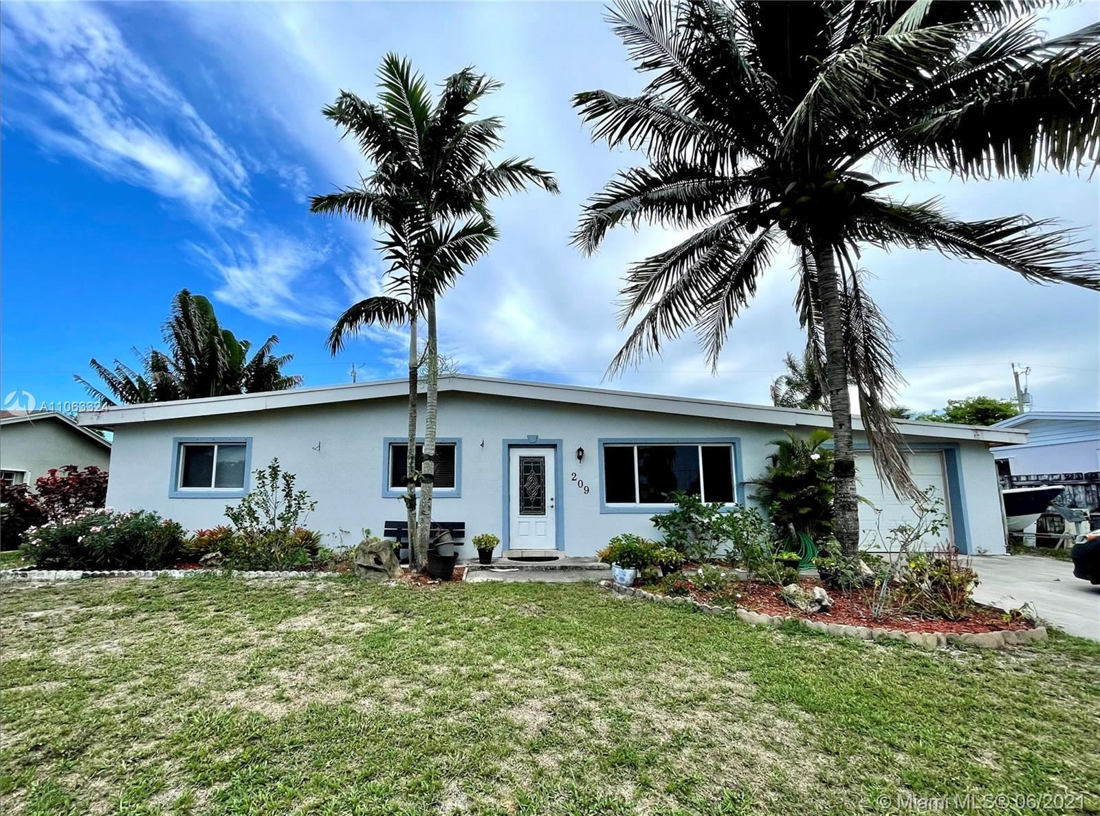 209 Russell Dr, Palm Springs, FL 33461 - #: A11063324