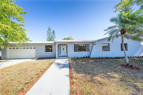 Photo of Listing MLS a10842325 in 12401 SW 195th Ter Miami FL 33177