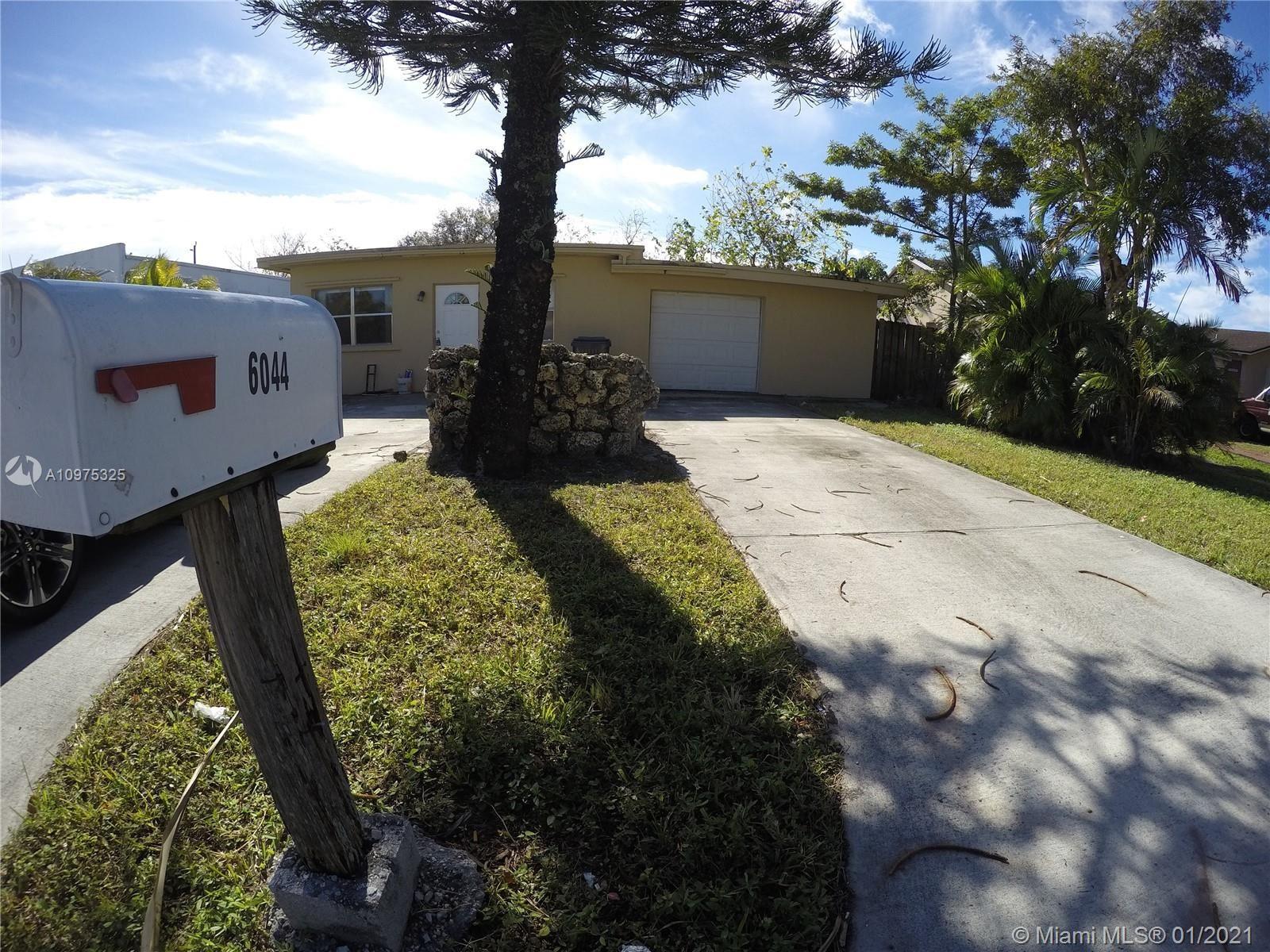 6044 Buchanan St, Hollywood, FL 33024 - #: A10975325