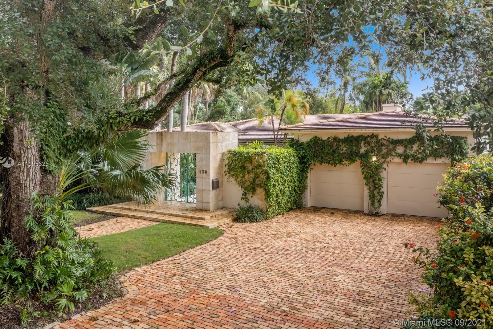 Photo of 930 Alfonso Ave, Coral Gables, FL 33146 (MLS # A11095325)