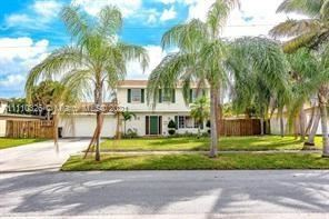 Photo of 900 NW 17 Ave, Boca Raton, FL 33486 (MLS # A11110326)