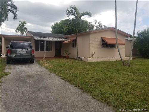 Foto de inmueble con direccion 6541 Scott St Hollywood FL 33024 con MLS A10942327