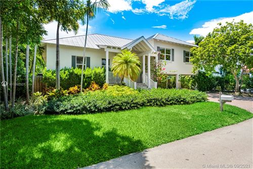 Photo of 280 Ridgewood Rd, Key Biscayne, FL 33149 (MLS # A11092327)
