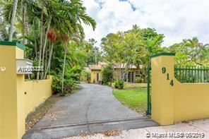 Photo of 914 Messina Ave, Coral Gables, FL 33134 (MLS # A10688328)