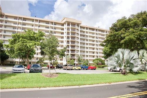 Photo of 575 Oaks Ln #709, Pompano Beach, FL 33069 (MLS # A11007329)