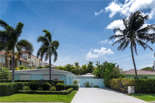 Photo of 4618 Seagrape Dr #1, Lauderdale By The Sea, FL 33308 (MLS # A11051329)