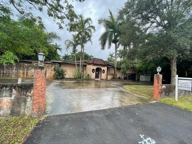 Photo of 460 NE 154th St, Miami, FL 33162 (MLS # A11112329)