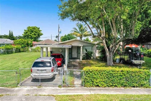 Photo of 2339 S Douglas St, Hollywood, FL 33020 (MLS # A10929330)