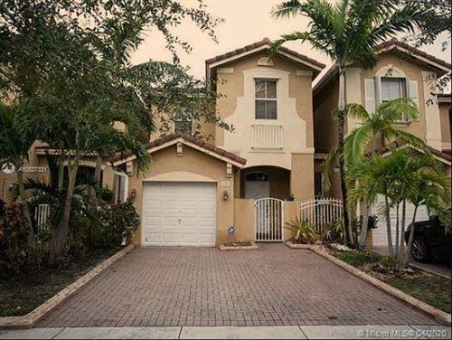 Photo of Listing MLS a10837331 in 949 SW 154th Ct #N/A Miami FL 33194