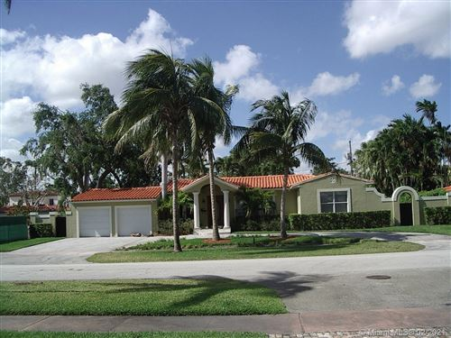 Photo of 421 Luenga Ave, Coral Gables, FL 33146 (MLS # A10996331)
