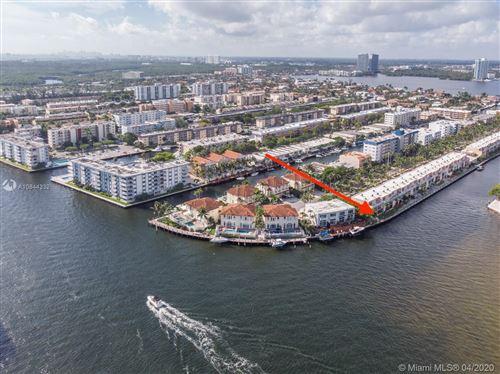 Foto de inmueble con direccion 3745 NE 171st St #1 North Miami Beach FL 33160 con MLS A10844332