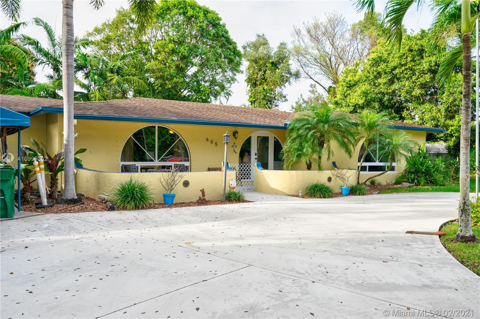 Photo of 605 SW 65th Ave, Margate, FL 33068 (MLS # A10999332)