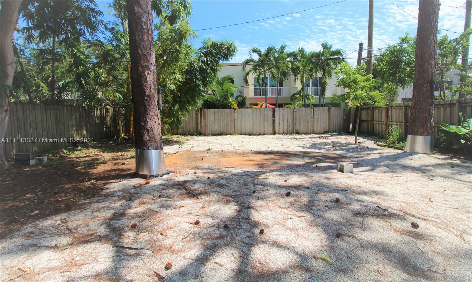 Photo of 1112 NE 11th Ave, Fort Lauderdale, FL 33304 (MLS # A11111332)