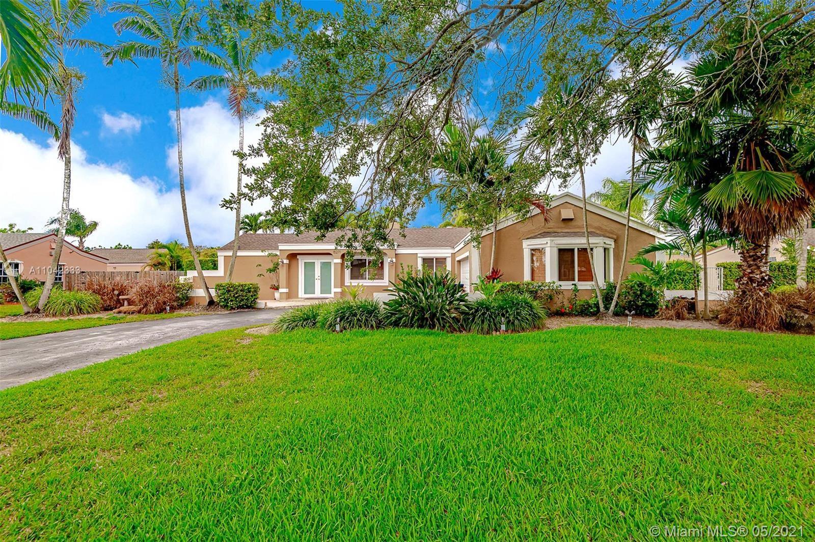 15271 SW 154th Ter, Miami, FL 33187 - #: A11042333