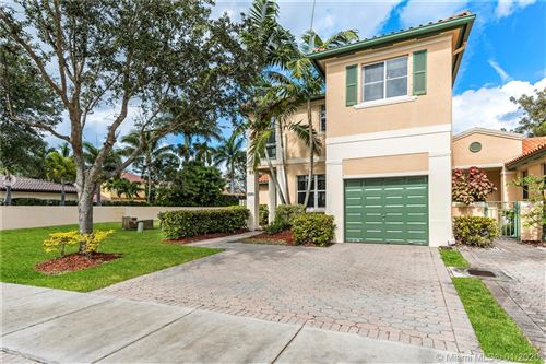 Photo of Listing MLS a10807334 in 8395 NW 143rd Ter Miami Lakes FL 33016