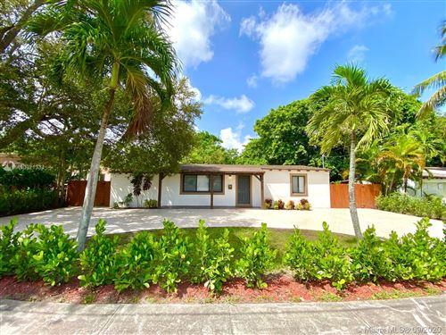 Foto de inmueble con direccion 909 NE 126th St North Miami FL 33161 con MLS A10921334