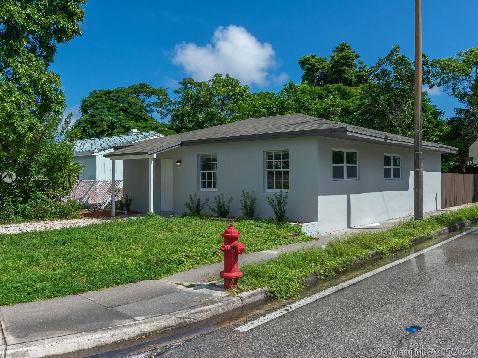 Photo of 1300 NE 1st Ave, Fort Lauderdale, FL 33304 (MLS # A11043334)