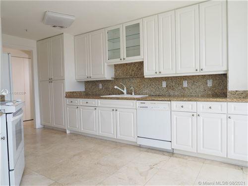 Photo of 848 Brickell Key Dr #1705, Miami, FL 33131 (MLS # A11083335)