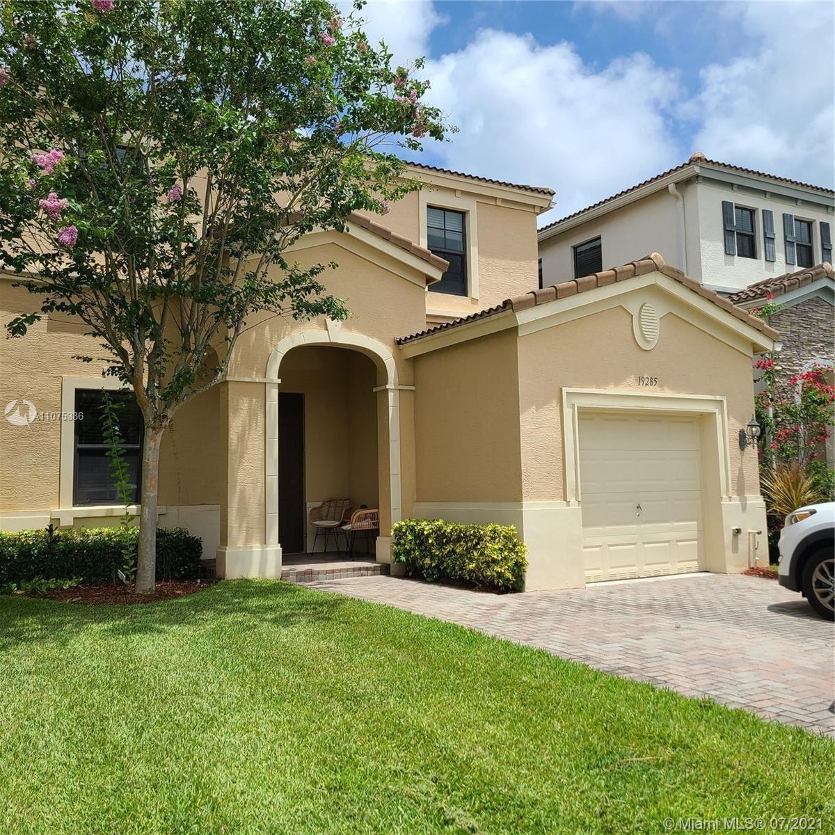 19285 NE 8th Ct, Miami, FL 33179 - #: A11075336