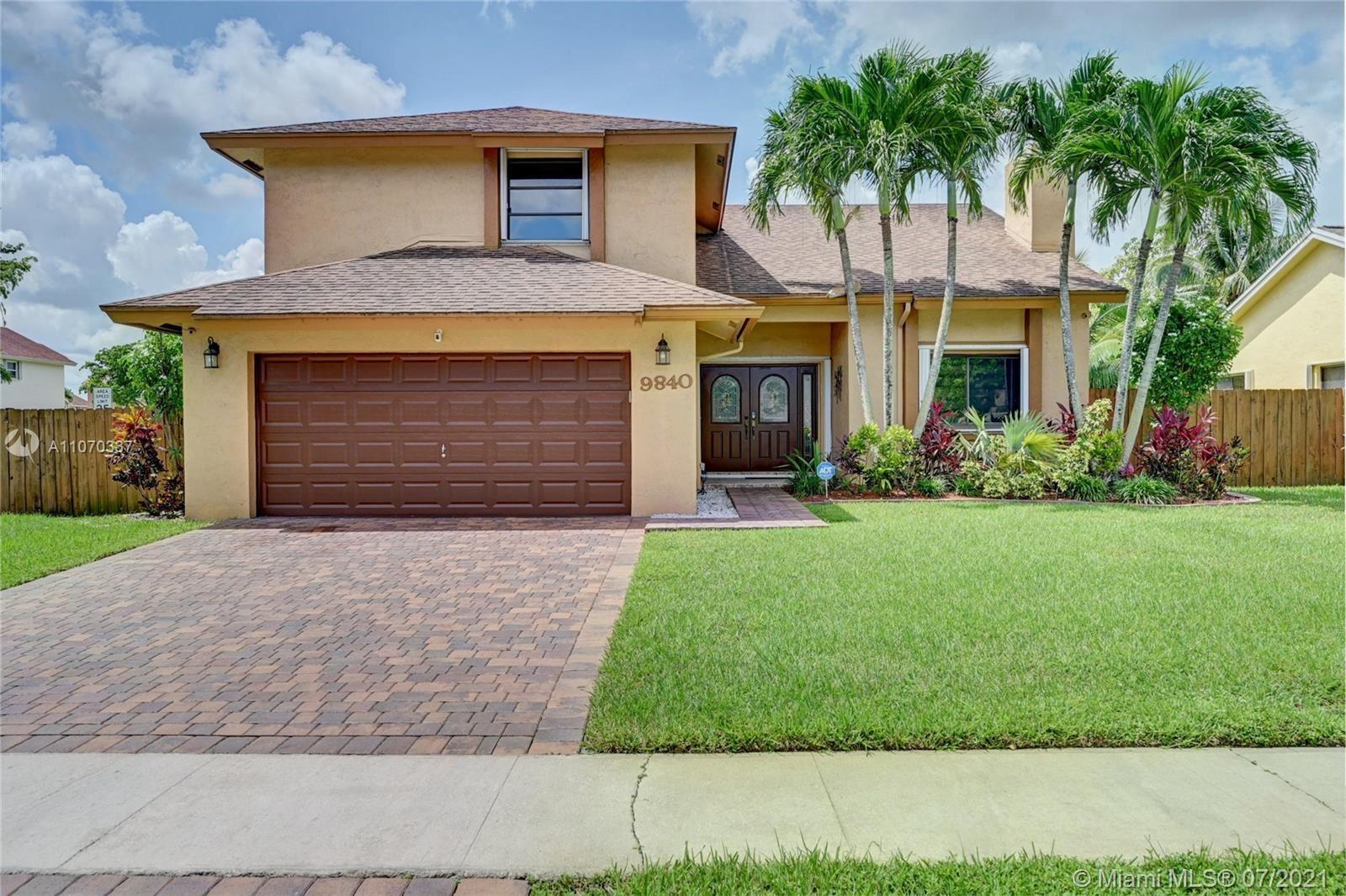 9840 SW 8th St, Pembroke Pines, FL 33025 - #: A11070337